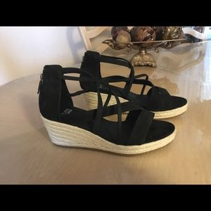 Eileen Fisher Wanda Cross Wedge Sandals sz 9.5